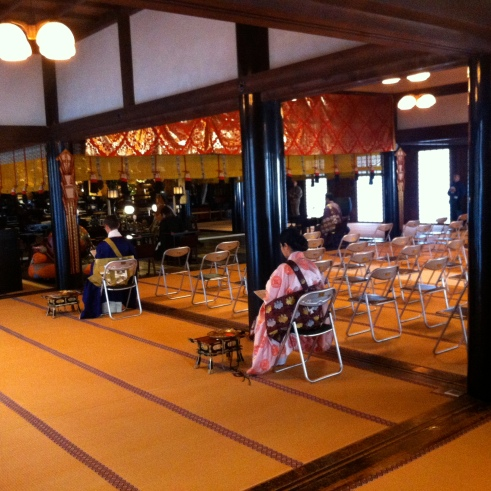 Preparations for the December 2013 memorial service (tsuito hoyo) at Shitenno-ji Temple in Osaka