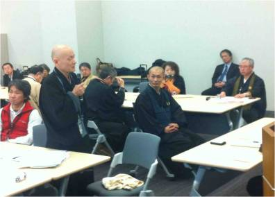 Rev. Nakajima speaks to representatives of the Japanese Diet with the Interfaith Forum on January 9, 2015