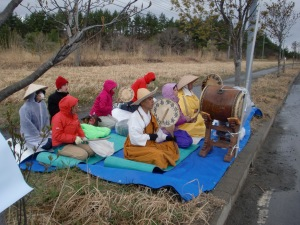Fast and Prayer Vigil at the Rokkashomura Nuclear Fuel Reprocessing Center on May 2, 2013